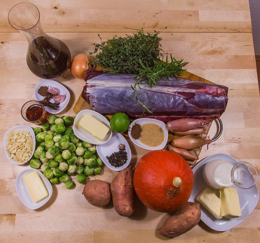 Zutaten für den Rosa gebratener Rehrücken an Madeira-Sherry-Sauce mit Süßkartoffel-Kürbis-Püree