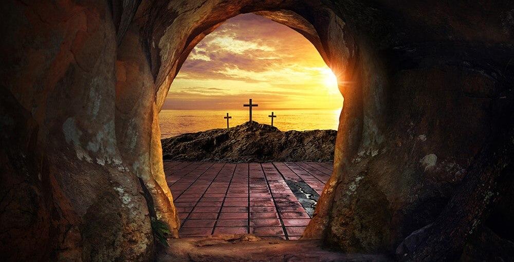 Blick aus dem Grab Jesu auf Golgatha symbolisiert die Fastenzeit